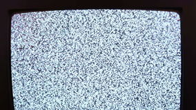 Fernsehstörgeräuschschwarzweiß stock video