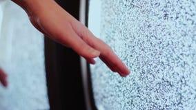 Fernsehstörgeräuschschwarzweiß stock video footage