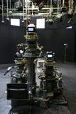 Fernsehstudio mit Kamera und Leuchten Stockbilder