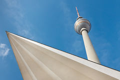 Fernsehturm berlinois (tour de TV), Berlin, Allemagne Photo libre de droits