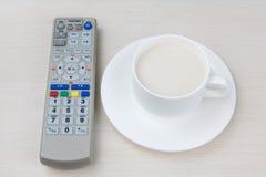 Fernsteuerungs- und Tee Stockfotografie