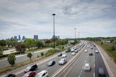 Fernstraße in Toronto lizenzfreie stockbilder