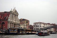 Ferovia, estação do táxi, Veneza, Itália Foto de Stock