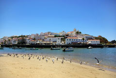 Ferragudo, Dorp van Algarve. Royalty-vrije Stock Foto's