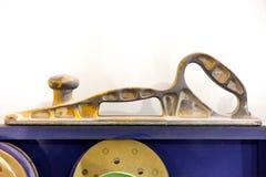 Ferramenta do banco para nivelar a superfície durante o reparo do corpo de carro imagem de stock