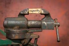 Ferramenta vice com a capacidade da palavra fotografia de stock royalty free