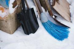 Ferramentas da limpeza da neve imagens de stock