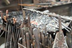 Ferramentas da oficina do ferreiro, formões fotos de stock royalty free