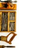 Ferramentas de funcionamento do vintage (caixa com brocas e outro imagem de stock