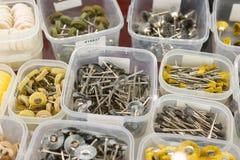 Ferramentas dentais, rodas de moedura, brocas abrasivas e cones de moedura imagem de stock royalty free