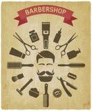 Ferramentas do barbeiro em torno do fundo masculino do vintage da cara Ilustração Stock