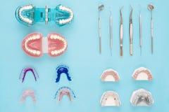 Ferramentas do dentista e ortodôntico Imagens de Stock