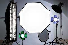 Ferramentas do equipamento do estúdio Refletor, caixa macia, octobox para disparar foto de stock