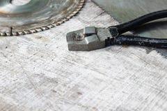 ferramentas em uma tabela de madeira Fotos de Stock Royalty Free