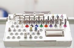Ferramentas para brocas dentais do grupo do prosthetist imagens de stock royalty free