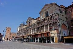 Ferrara Piazza het vierkant van Trento e Triëst stock afbeeldingen