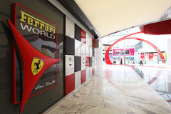 Ferrari世界在阿布扎比 免版税库存照片
