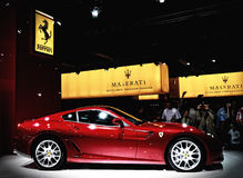 Ferrari στο αυτοκίνητο σαλονιών Στοκ Εικόνες