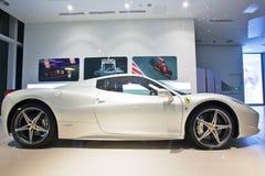 空白Ferrari 免版税图库摄影