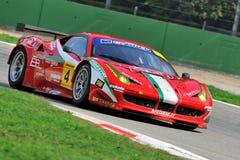 Ferrari 458 GT en pista de raza de Monza Fotos de archivo libres de regalías