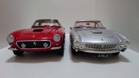 Ferrari 250 Berlinetta SWB i Ferrari 250 Lusso frontowy widok Zdjęcie Stock
