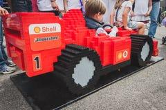 Ferrari bil som göras av Lego tegelstenar i Milan, Italien Royaltyfria Bilder