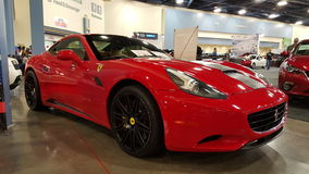 Ferrari de alquiler rojo Fotos de archivo