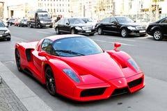 Ferrari Enzo in de straten van Berlijn Stock Fotografie
