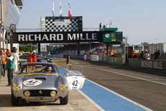 Ferrari 250GT dans le pitlane de Le Mans Photos libres de droits