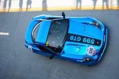 Ferrari 599 GTB alla concorrenza di Mille Miglia Tribute Immagine Stock Libera da Diritti