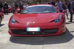 Ferrari 458 italia på vägen Arkivfoton