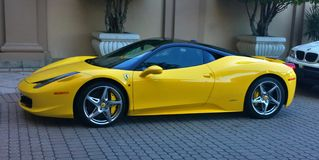 Ferrari Italia toppet medel Royaltyfri Fotografi