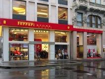Ferrari lager i Milan Royaltyfri Foto