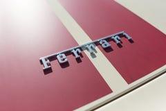 Ferrari logo på skärm Arkivbilder