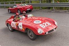 Ferrari 500 Mondial i Mille Miglia 2013 Arkivbilder