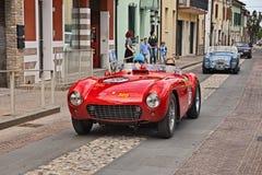 Ferrari 500 Mondial1953 in Mille Miglia 2017 Royalty-vrije Stock Foto's