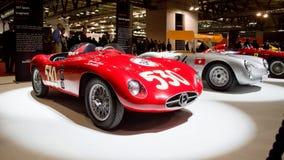 1955 Ferrari Monza 750 en 1956 Porsche 550RS in Milaan Autoclassica 2016 Stock Foto