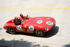 1954 Ferrari 750 Monza-Spin Scaglietti in Mille Miglia royalty-vrije stock fotografie