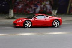 Ferrari rojo imagenes de archivo