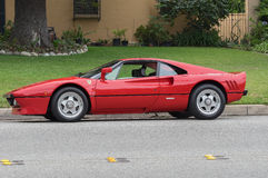 Ferrari rosso parcheggiato Immagini Stock