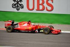 Ferrari sf15-t F1 door Sebastian Vettel in Monza wordt gedreven die Stock Foto