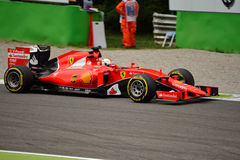 Ferrari SF15-T F1 jadący Sebastian Vettel przy Monza Obrazy Stock