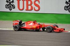 Ferrari SF15-T F1 som är drivande vid Kimi Räikkönen på Monza Fotografering för Bildbyråer
