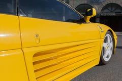 Ferrari Testarossa på skärm Arkivbilder