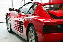 Ferrari Testarossa sulla sala d'esposizione dell'esposizione fotografia stock