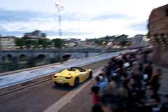 Ferrari tijdens Mille Miglia in Rome Stock Afbeeldingen