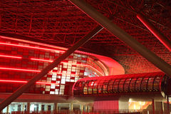 Ferrari-Welt in Yas-Insel in Abu Dhabi Lizenzfreie Stockfotografie