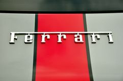 Ferrari-Zeichen Stockbilder