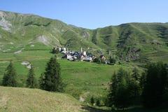 Ferrere, 1.869 m, en el municipio de Argentera, montañas marítimas (28 de julio de 2013) Imagenes de archivo