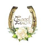 Ferri di cavallo nel colore dorato con le rose bianche Fotografia Stock Libera da Diritti
